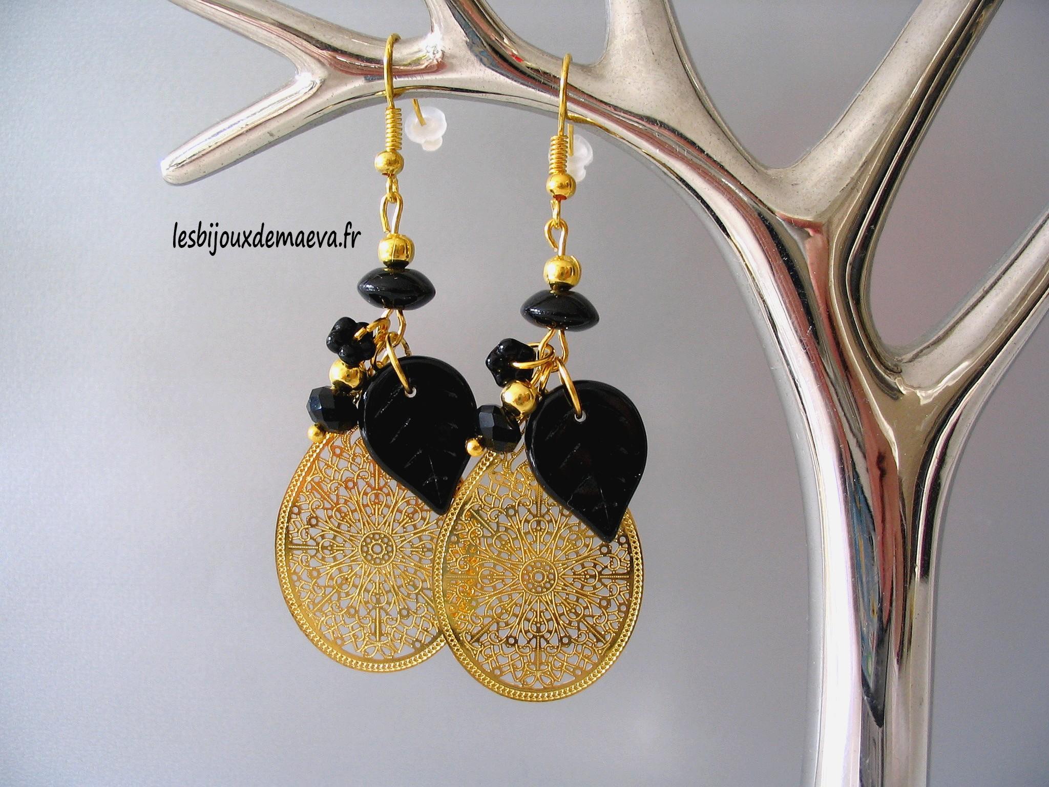 boucles d 39 oreilles fantaisie dor es et noires marrakech. Black Bedroom Furniture Sets. Home Design Ideas