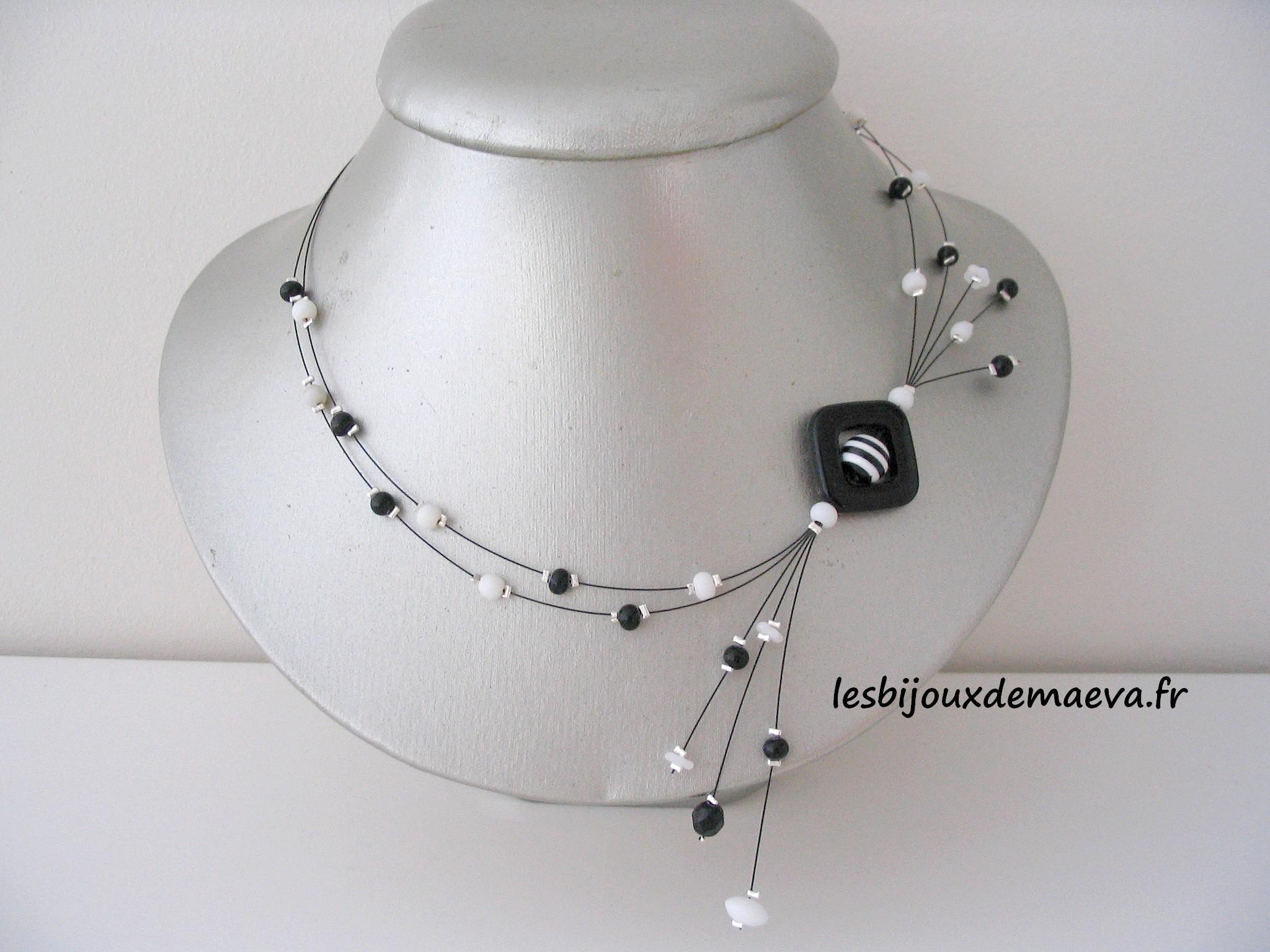 collier fantaisie blanc et noir