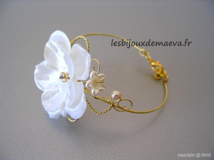 bijoux fantaisie mariage bracelet fleur ivoire et or. Black Bedroom Furniture Sets. Home Design Ideas