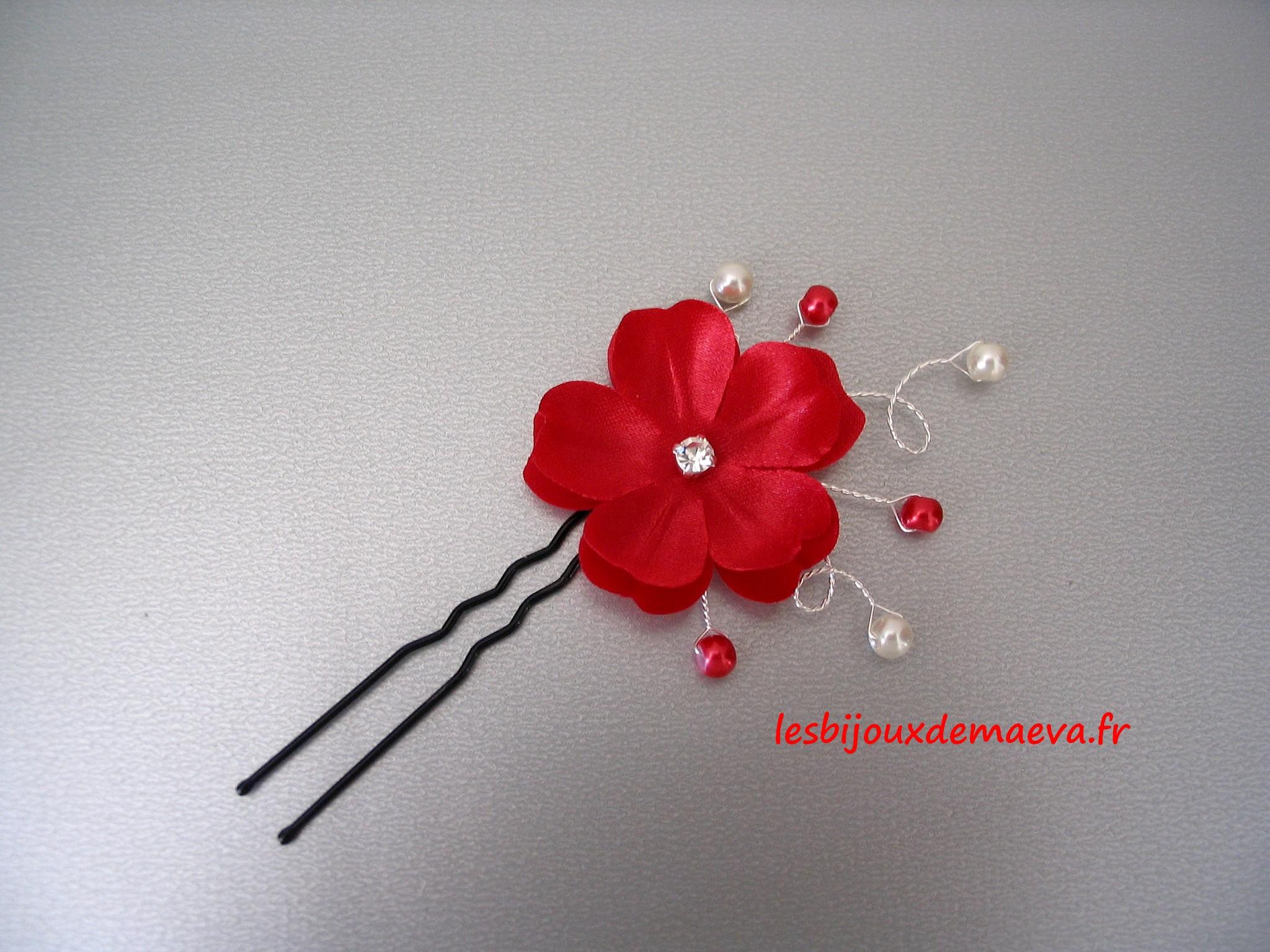 Epingle cheveux mariage fleur rouge pétale coeur