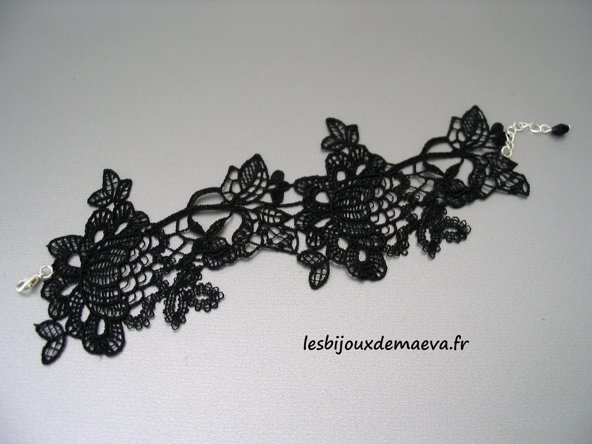 5c218e01cc Bracelet manchette dentelle noire